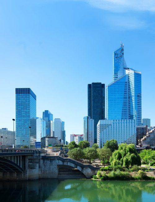 paris-business-district-P2YJVQE (FILEminimizer)